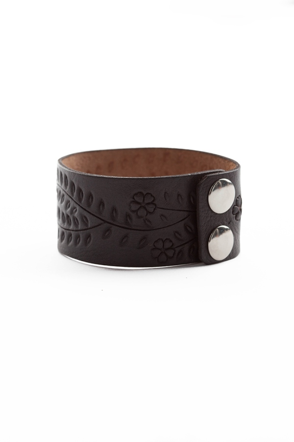 Badlands_Cuff_Black_0057